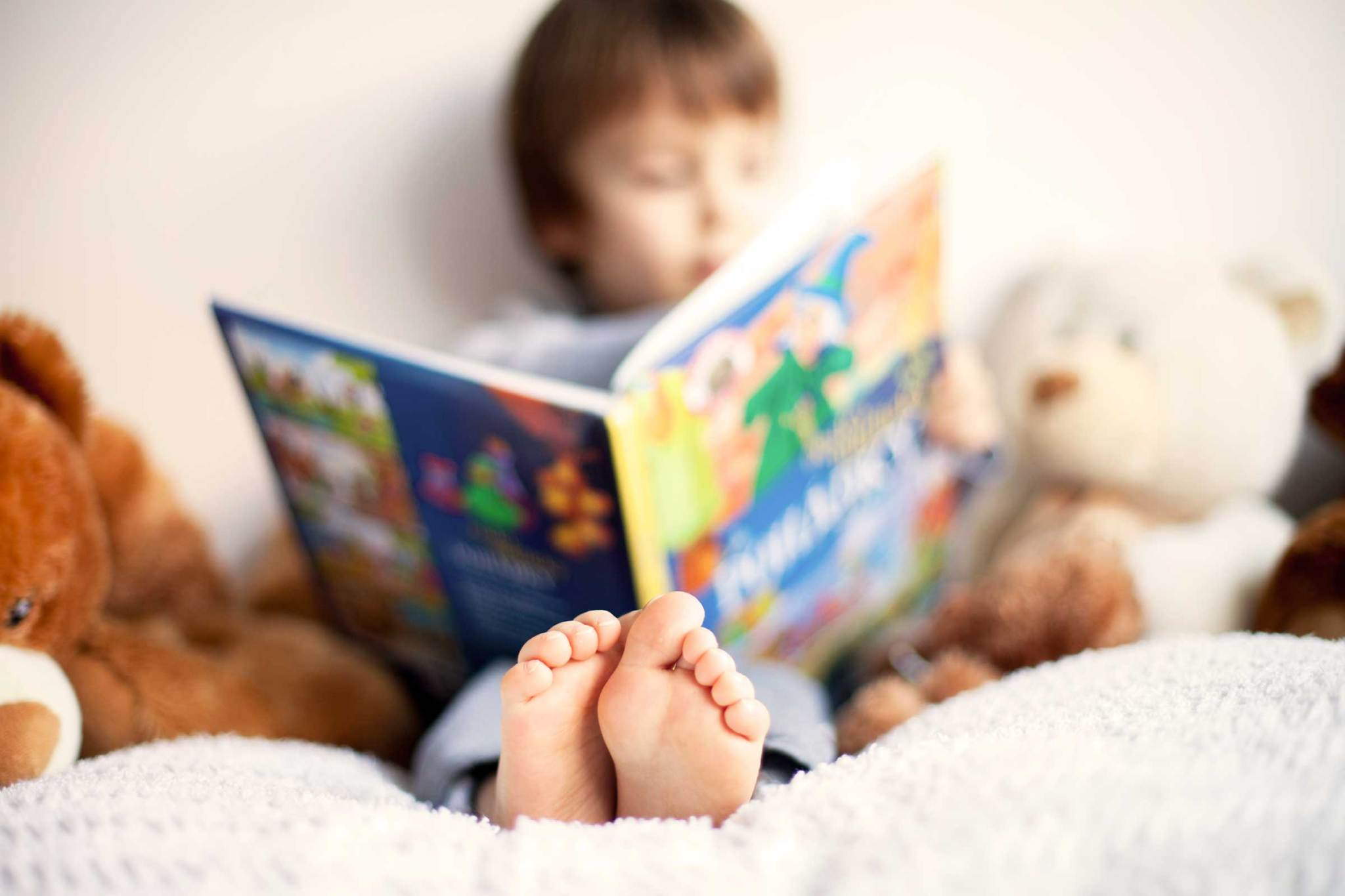 01-early-reading-habits-rich-illustrations