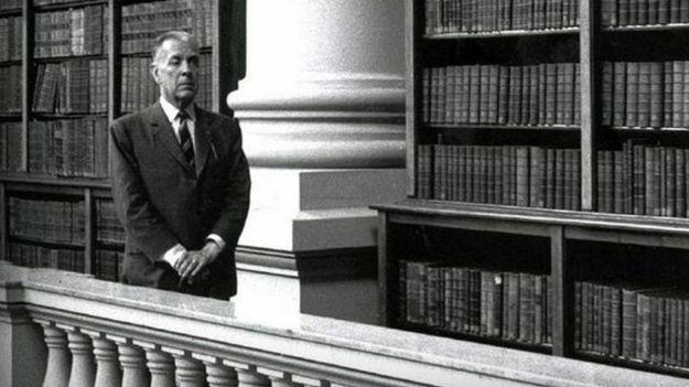 jorge-luis-borges-en-la-biblioteca-nacional