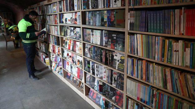 libreria-turquia-afp-702x395