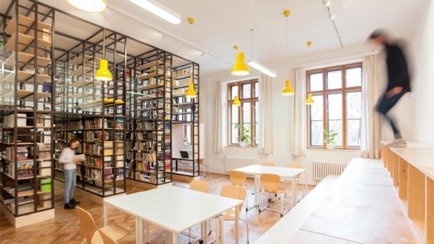 atelier-111-architekti-biblioteca-escuela-secundaria-republica-checa-disup-4