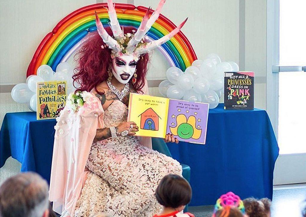 drag-queen-story-hour-6-1024x727