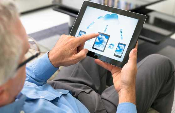 cloud-computing-application-on-digital-tablet