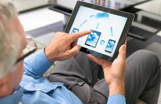 cloud-computing-application-on-digital-tablet