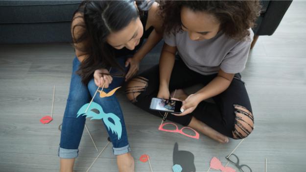 pi_2018-11-28_teens-social-media_featured
