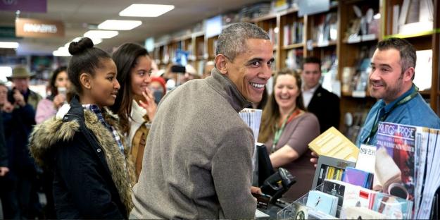Barack-Obama-comprando-libros